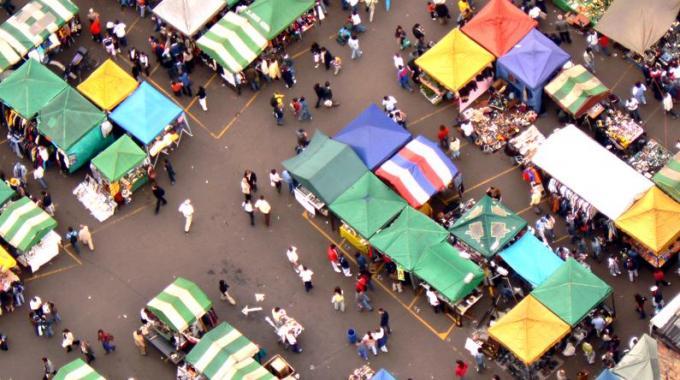 il-mercato-in-piazza